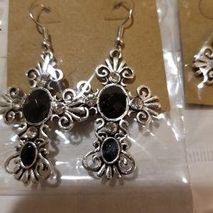 Jewelry - Black gemstone antiqued earings